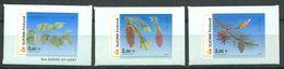 180 FINLANDE 2002 - Yvert 1560/62 Adhésif - Arbre Pomme De Pin Pive - Neuf ** (MNH) Sans Trace De Charniere - Unused Stamps