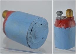 Reproduction De Grenade Défensive VB - Bleue Et Rouge - Militaria