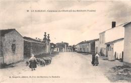 CHAILLE Les MARAIS  -  Le SABLEAU ....rue Animée Avec Bergére Et Ses Moutons - Chaille Les Marais