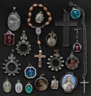 Lot De 20 Médailles Ou Objets Religieux - Religione & Esoterismo