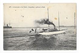 """St NAZAIRE  (cpa 44)  Le Yacht """" Jacqueline """" Quittant La Rade  -   - L 1 - Saint Nazaire"""