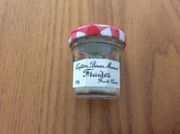 """Pot De Confiture Miniature En Verre Bonne Maman """"fraise"""" 4,5x4cm , 30g (vide) - Miniaturen"""