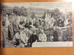 Groupe De Soldats Priant Sur La Tombe De Sainte Thérèse De L'enfant Jésus En 1915 - War 1914-18