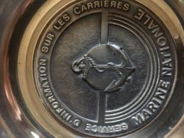 Cendrier En Métal Argenté Très Lourd De Chez Fraisse Demey Paris Marine Nationale Militaria Superbe â Voir De Suite - Cendriers