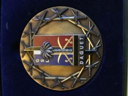Division Daguet Très Belle Médaille Dans Son Coffret D Origine ! Très Belle Pièce Militaria Militaire Militaires Guerre - Other