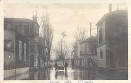 92 - ASNIERES *** Carte Photo *** ( Inondations 1910 ) Rue Du Maine - CPA - Hauts De Seine - Asnieres Sur Seine