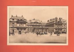 * CPSM..dépt 75..PARIS 01  :  Le Palais Royal - Royal Palace  :  Voir Les 2 Scans - Paris (01)