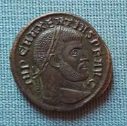 MONNAIE ROMAINE FOLLIS R/ ROME ASSISE DANS UN TEMPLE EXASTYLE - 7. L'Empire Chrétien (307 à 363)