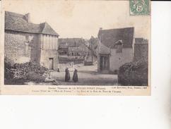 """CPA  LA ROCHE-POSAY.  Station Thermale, Ancien Hôtel """"Ecu De France, Le Pont...C545 - La Roche Posay"""