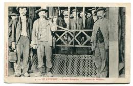 CPA    71  :   LE CREUSOT   Usines Schneider Mineurs  VOIR  DESCRIPTIF  §§ - Le Creusot