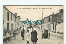 B - 44 - MACHECOUL - VENTE à PRIX FIXE - Rue De La Gare Et Rue De La Poste - édition Chapeau - Machecoul