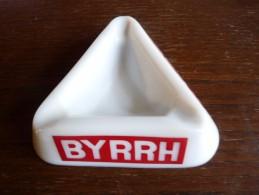 CENDRIER -   BYRRH-   Blanc , Triangulaire: Côté: 12cm, Ht: 3,2 Cm, S.e.v.n. Guerville - Cendriers