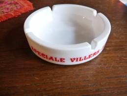 CENDRIER -   SPECIALE VILLERS ST-GHISLAIN  -   Blanc, Rond: Diamètre:14,5 Cm , Ht: 4 Cm , Céramique - Cendriers