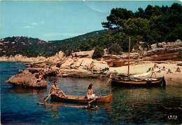 83 - 131116 - ILE DU LEVANT - La Plage Des Grottes - Nudiste - Francia