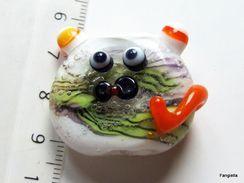 Grosse Perle Chat En Verre Artisanal Filé Au Chalumeau Blanc Multicolore Pour Pendentif    Une Pièce Unique Réalisée Par - Perles