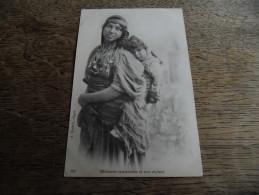 CPA Orientaliste - Bédouine Tunisienne Et Son Enfant - N°251 - Afrique