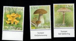 Aland 2003 Mushrooms Funghi  3v Complete Set ** MNH - Aland