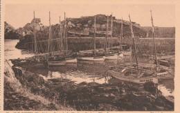 CPA Dép 85 Ile D'Yeu Port De La Meule Rochers Tete Jaune   Non  Circulée - Ile D'Yeu