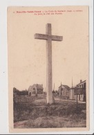 Carte Postale - NEUVILLEST SAINT VAAST - La Croix Du Souvenir - Au Fond La Cité Des Mutillés - Sonstige Gemeinden