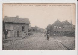 CPA - WINGLES - Avant La Guerre - Passage à Niveau - The Railway Levelled Thoroughfare - Sonstige Gemeinden