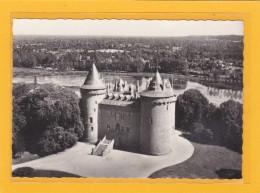 COMBOURG -35- EDIFICES - CHATEAUX - CPSM Grand Format - EN AVION AU DESSUS DE... Combourg - Le Château - Combourg