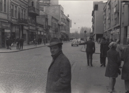 Real Photo - Balkans State? 18X12cm To Identify Snops Commerce Cars Animated - Lieux