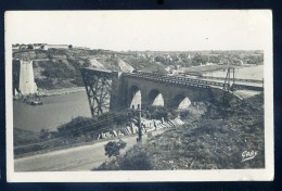 Cpsm Du 56 La Roche Bernard  -- Restes De L' Ancien Pont Et La Passerelle    JIP56 - La Roche-Bernard