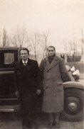 Photo Originale Couple - Homme & Sa Femme Androgyne Devant Leur Automobile Vers 1930/40 - Personnes Identifiées