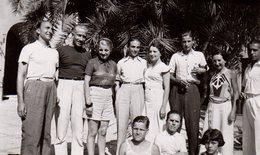Photo Originale Groupe D'Amis à Menton Dans Les Alpes-Maritimes - Signée De Tous Au Dos ! En Août 1936 - Personnes Anonymes