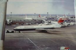 BRITISH AIRWAYS   VC 10 G ASGH   HEATHROW AIRPORT - 1946-....: Moderne