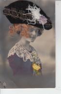 Femme Avec Un Chapeeau &  Cheveux (  Ste Catherine )  PRIX FIXE - Mode