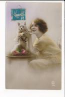 Carte  Fantaisie Femme Avec Chien  ( P.c Paris )  ( Recto Verso ) - Fantaisies