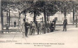 ARCUEUIL-CACHAN - Ecole Spéciale De Travaux Publics - Une Séance De Topographie  (92629) - Arcueil