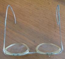 Assortiment De 7 Paires De Lunettes  De Vue Anciennes  1940 à 1960 Env  Voir Détail Et Clichés - Glasses