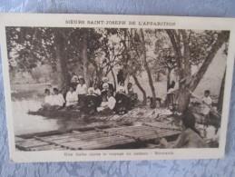 UNE HALTE APRES LE VOYAGE EN RADEAU - Postcards