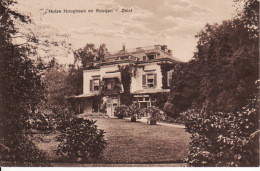 272943Zeist, Huize Hoogbeek En Rooijen (poststempel 1934)(links En Rechts Boven Een Kleine Vouw) - Zeist