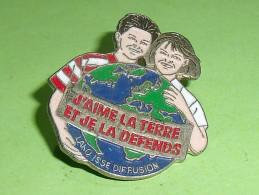 Pin's / Associations  : J'aime La Terre    TB2i - Verenigingen