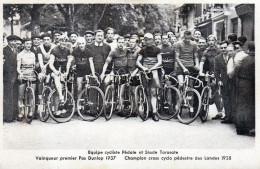 """Cpa équipe Cycliste """"Pédale Et Stade Tarusate"""", Vainqueur Pas Dunlop 1937 ,... (52.83) - Cyclisme"""
