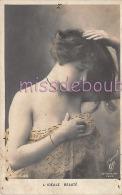 JOLIE JEUNE FEMME - Epaule Dénudée - Woman French Glamour Bare Shoulder - Dos Vierge Précurseur - 2 Scans - Women
