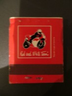 Pochette D'allumettes - Red And White TEAM équipe Rouge  - Moto - Le Chapeau Rouge Bar Tabac Hôtel - Chateau Landon 77 - Cajas De Cerillas (fósforos)