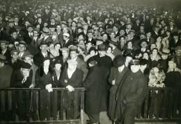 Paris Foule Devant Le Trocadero Ancienne Photo Meurisse 1930 - Famous People