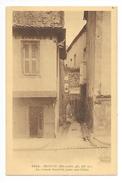 BRIOUDE  (cpa 43)   La Maison Mandrin, Place Aux Toiles -    - L 1 - Brioude