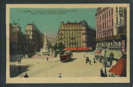 69 LYON  ( RHÔNE). PLACE DE LA REPUBLIQUE. ANIMEE..RICQLES..CONTREXEVILLE..MONUMENT CARNOT.TRAMWAY...  C2068 - Lyon