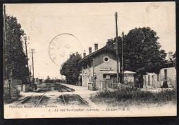 33 LA SOUYS FLOIRAC LA GARE ANIMEE PASSAGE A NIVEAU - France