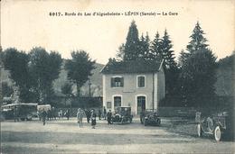 LEPIN. LA GARE .BORDS DU LAC D' AIGUEBELETTE. AUTOMOBILES - France