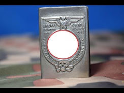 MATCHBOX COVER -trench Art -1 - 1939-45