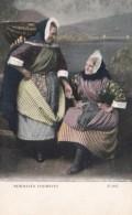 Scotland Newhaven Fish Wives In Traditional Costume - Costumi