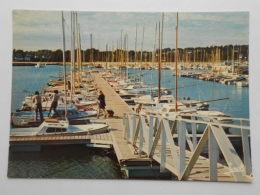 CP 29 Bretagne LA FORET FOUESNANT - La Passerelle Et Le Ponton Du Port De Plaisance - La Forêt-Fouesnant