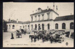 CHATELLERAULT 86 - La Gare - Calèches - Chatellerault