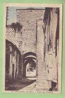 LA CAVALERIE : Entrée Des Remparts . 2 Scans. Edition Combier - Altri Comuni